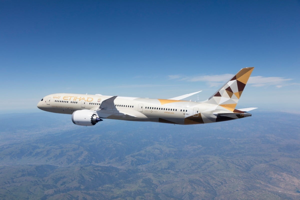 Etihad-Business-Class-Dine-at-Your-Wish